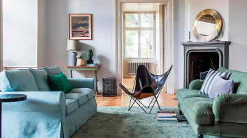 Apoyar los muebles contra la pared