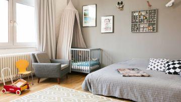 Sofá cama en el cuarto infantil